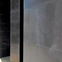 Fachada en piedra negra-1